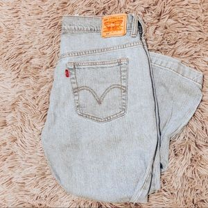 Vintage Levi 515 Light Washed Nouveau Capri Jeans